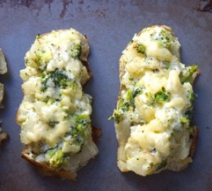 Baked Potatoes With Cheddar, Broccoli And Cream Yogurt